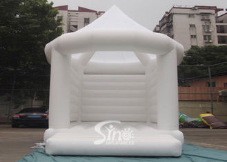 5x4m commercial grade adults white wedding bouncy castle with steeple shape top